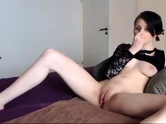 Horny brunette lindy lane goes solo and toys her pussy