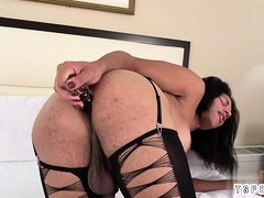 Sexy shemale sex and cumshot