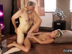 My daddy cums in pussy They became mates and after