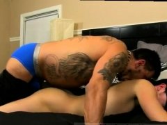 Gay romantic sex Muscled daddy Collin enjoys to get a