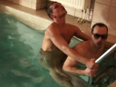 Raunchy gay amatuers enjoy anal in the pool