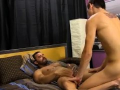 Big boy bear type gay sex Alexsander embarks by forcing
