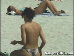 Hot chicks at nude beach 2