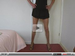Tranny cums on own ass in pantyhose