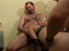 Papy fucked a blond with friends