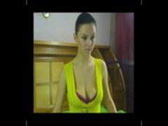 Voluptuous webcam girl AlinaY stripping down totally nude