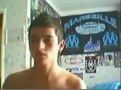 A cute french guy is wanking and jerking off in front of his webcam !
