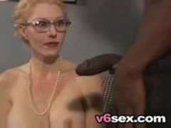 Busty Blonde MILF Takes Her Black Dick Like A Champ v6sex free porn