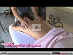 Girl get massage with happy ending