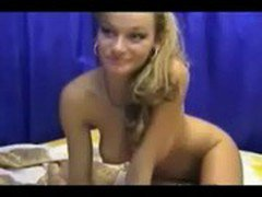blonde cam chick puts on a dildo show