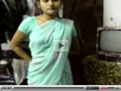 Indian Girl in Saree seducing