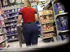walmart candid  phat whooty in jeans