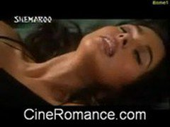 Mallika Sharavat Imran Hasmi Hot Kiss Scene