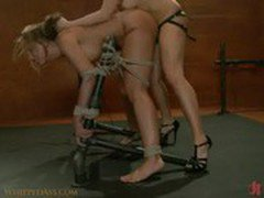 Mistress Lorelei Lee fingers her slave until she cums