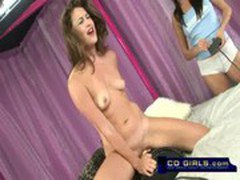 Latina amateur girl fucks the sybian machine