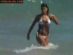 Sneaky voyeur shots hot amateur asses at the beach