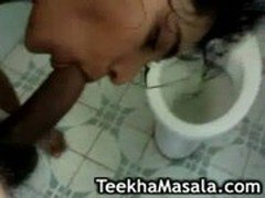 desi bathing and suckingn cock