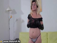 Kinky blonde mom showing part1