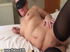 Horny mature mom with nice part1