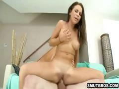 Foxy brunette babe eagerly sucking and fucking