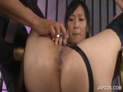 Asian pussy fucked with bottle