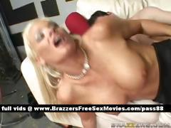 Amateur naked blonde slut on a couch gets her wet pussy fucked