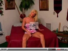 Hot Mature Blonde Busty Cougar Kat Kleevage