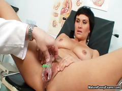 Sexy mature mom gets her pussy inspected part5