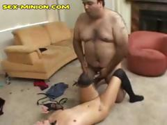 Fat hairy guy likes food while he bangs this little brunette