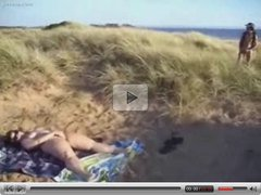 She masturbate for voyeurs at nude beach