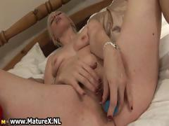 Horny blonde old lady loves fucking part2