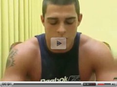 Muscle Hunk Gets Verbal & Horny