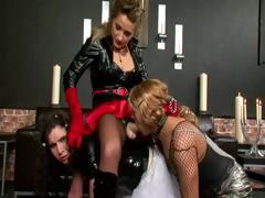 Pro-domm whips her pathetic sissy